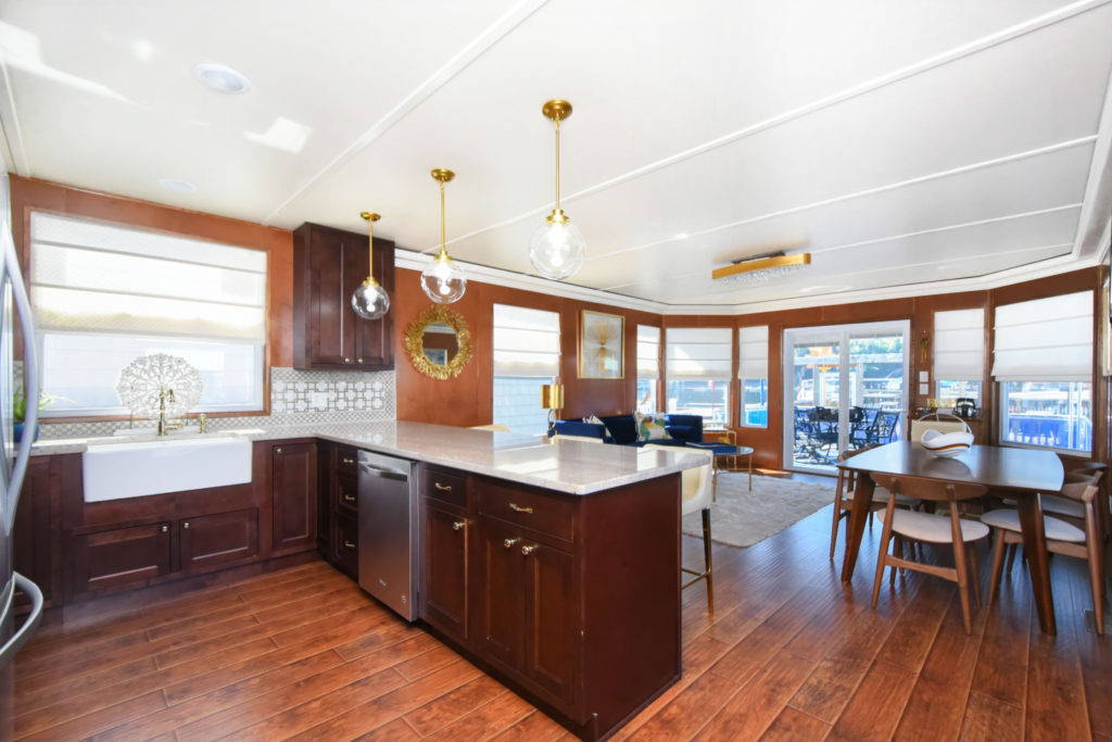 Delicieux Sporty Traditional Houseboats