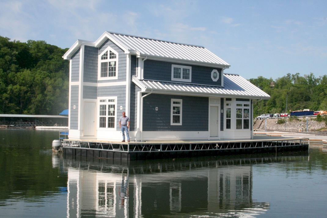 2 bedroom boat harbor cottage houseboats for Boat house plans pictures